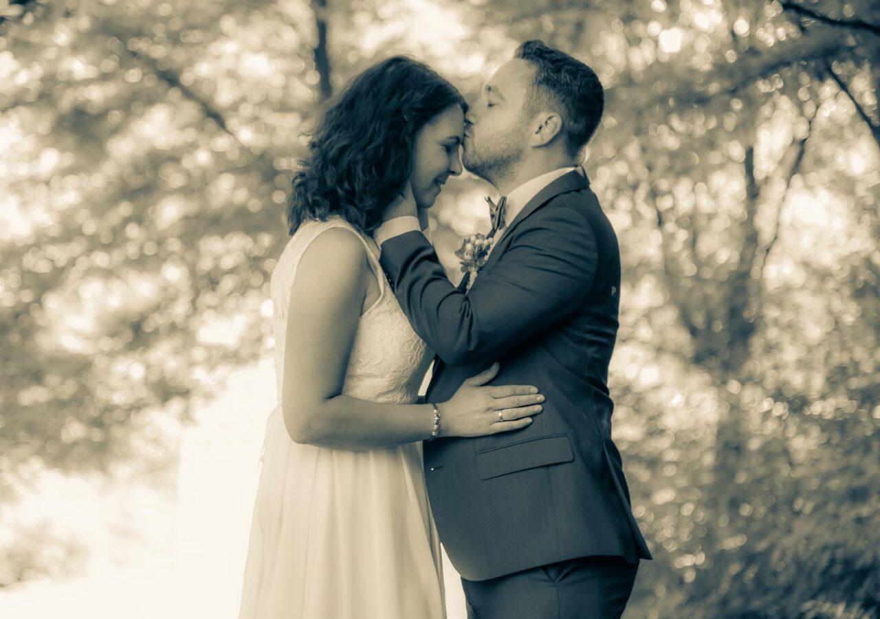 das Brautpaarfotoshooting in den Weinbergen