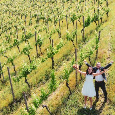 das Brautpaarfotoshooting in den Weinbergen-hochzeitsfotograf