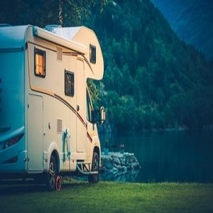 Das Wohnmobil Camping am Glacier Lake. Wohnmobil Van Urlaub.