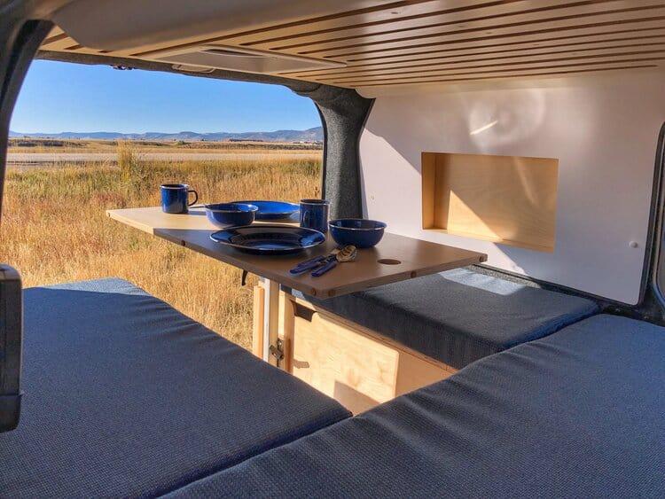 camper vanlife campervan camperbus zelfbouw bed tafel puzzelbed