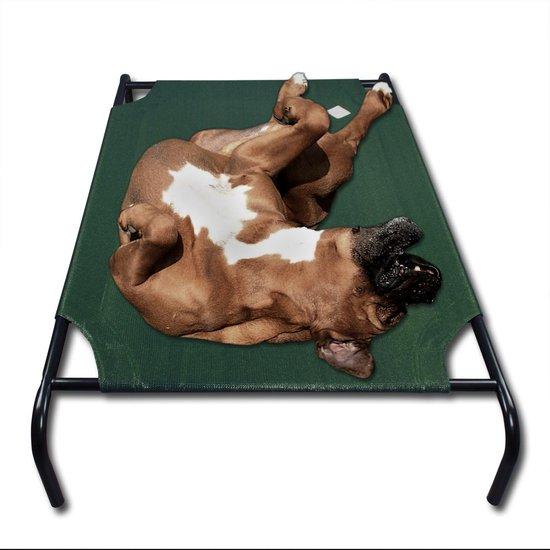 hond op zn rug op een stretcher