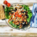 vegetarischer Brotsalat - ein unkompliziertes Rezept zur Resteverwertung!