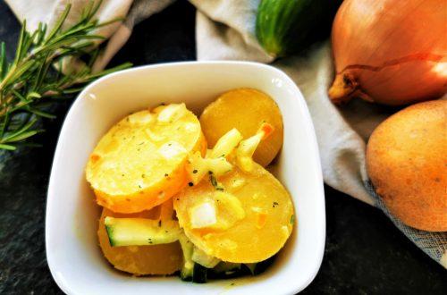 Schneller Kartoffelsalat: Ein einfaches Rezept für Kartoffelsalat, das jedem schmeckt. Einfache Zutaten, fixe Zubereitung, viel Genuss!