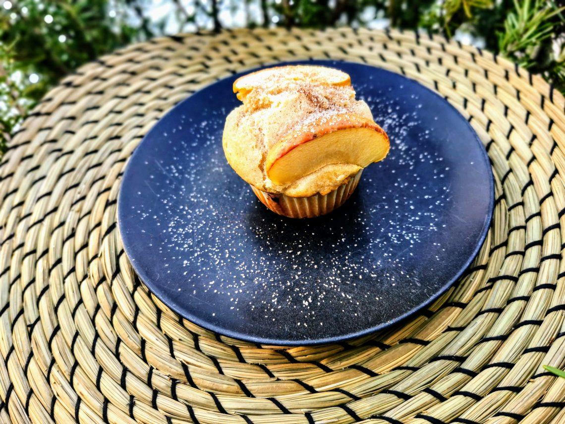 kinderleichte Muffins mit Apfel backen. Lecker, einfach und schnell ist dieses Backrezept für Apfelmuffins.