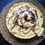 Dieses Rezept für Erdnussbutter-Bananenkuchen mit Puddinghaube besticht durch den einmaligen Geschmack und die einfache Zubereitung! Lecker!
