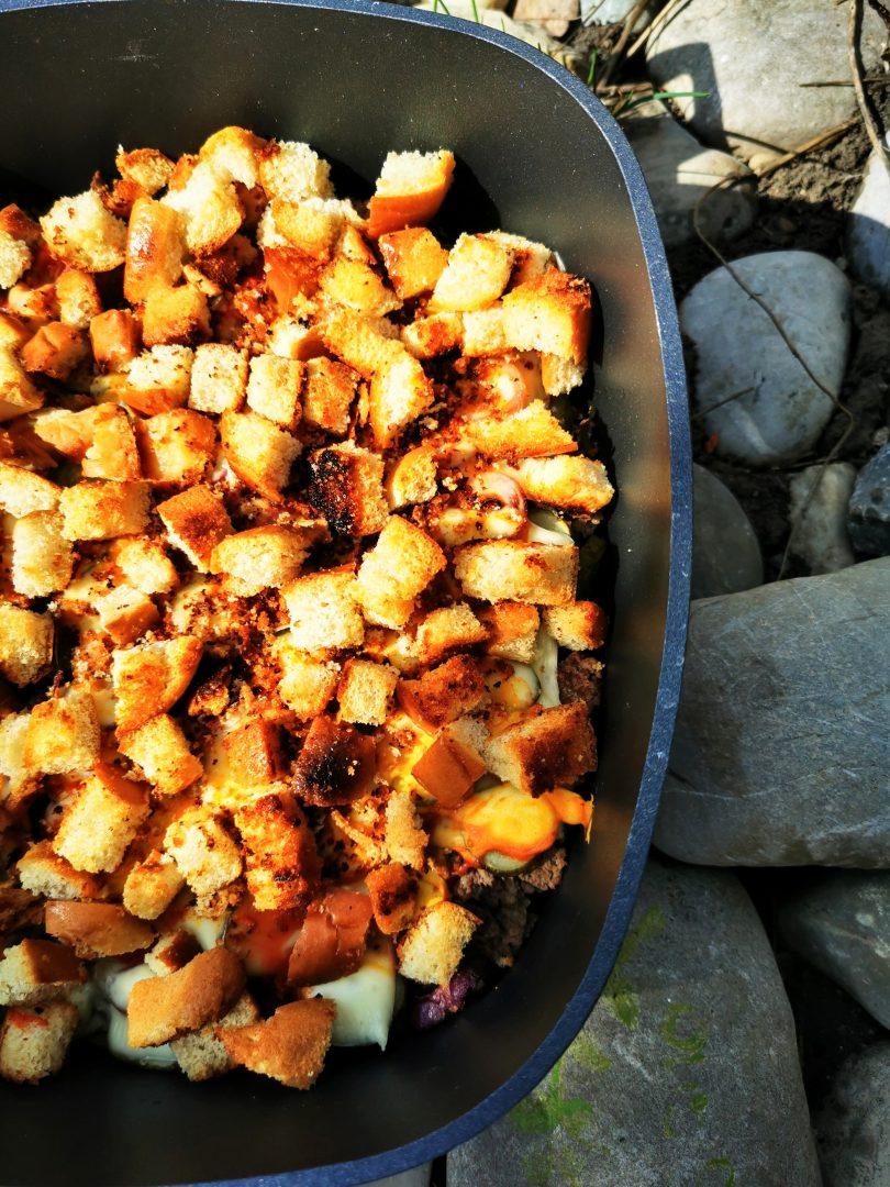 Ein herrlich leckeres und einfaches Rezept für Cheeseburger Auflauf. Kochen mit Fleisch. Dieses Kochrezept wirst du lieben. Perfekt für Fastfood Liebhaber.