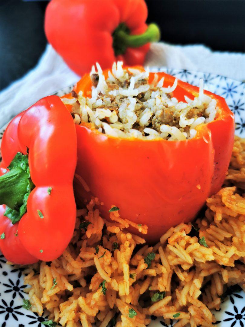 Mit Hackfleisch gefüllte Paprikaschoten - ein einfaches One Pot Gericht, perfekt vorzubereiten.
