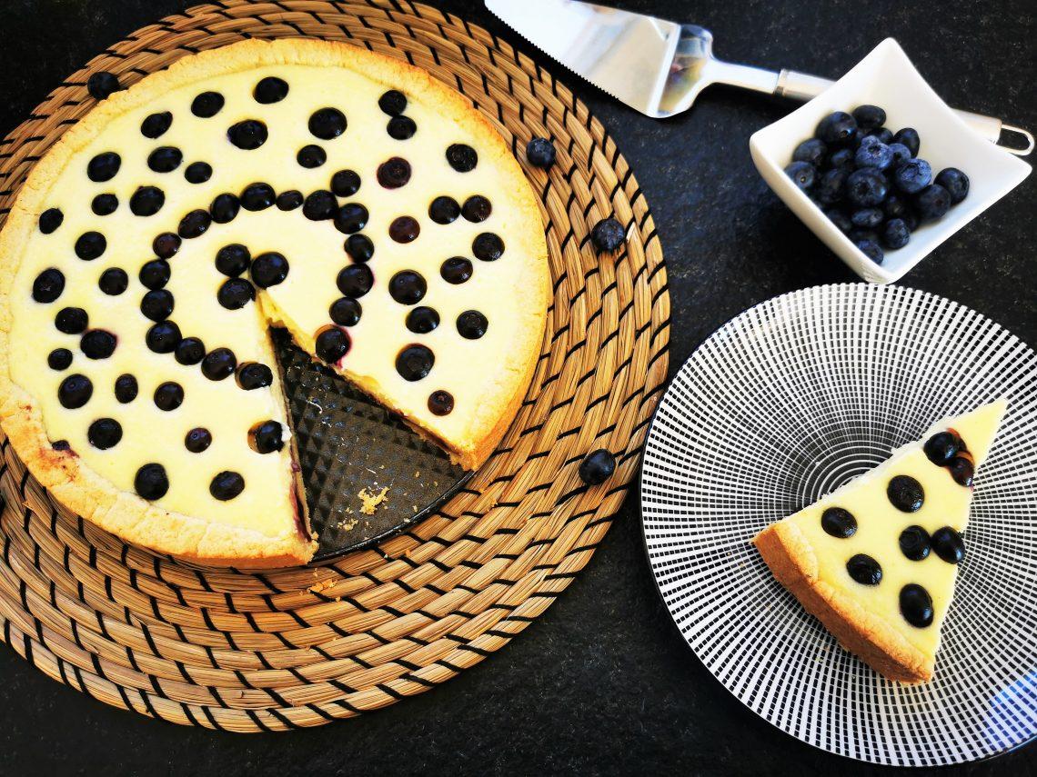 Hier findest du ein einfaches Backrezept für Käsekuchen mit Grieß - so herrlich schnell und unkompliziert, dass du es lieben wirst!