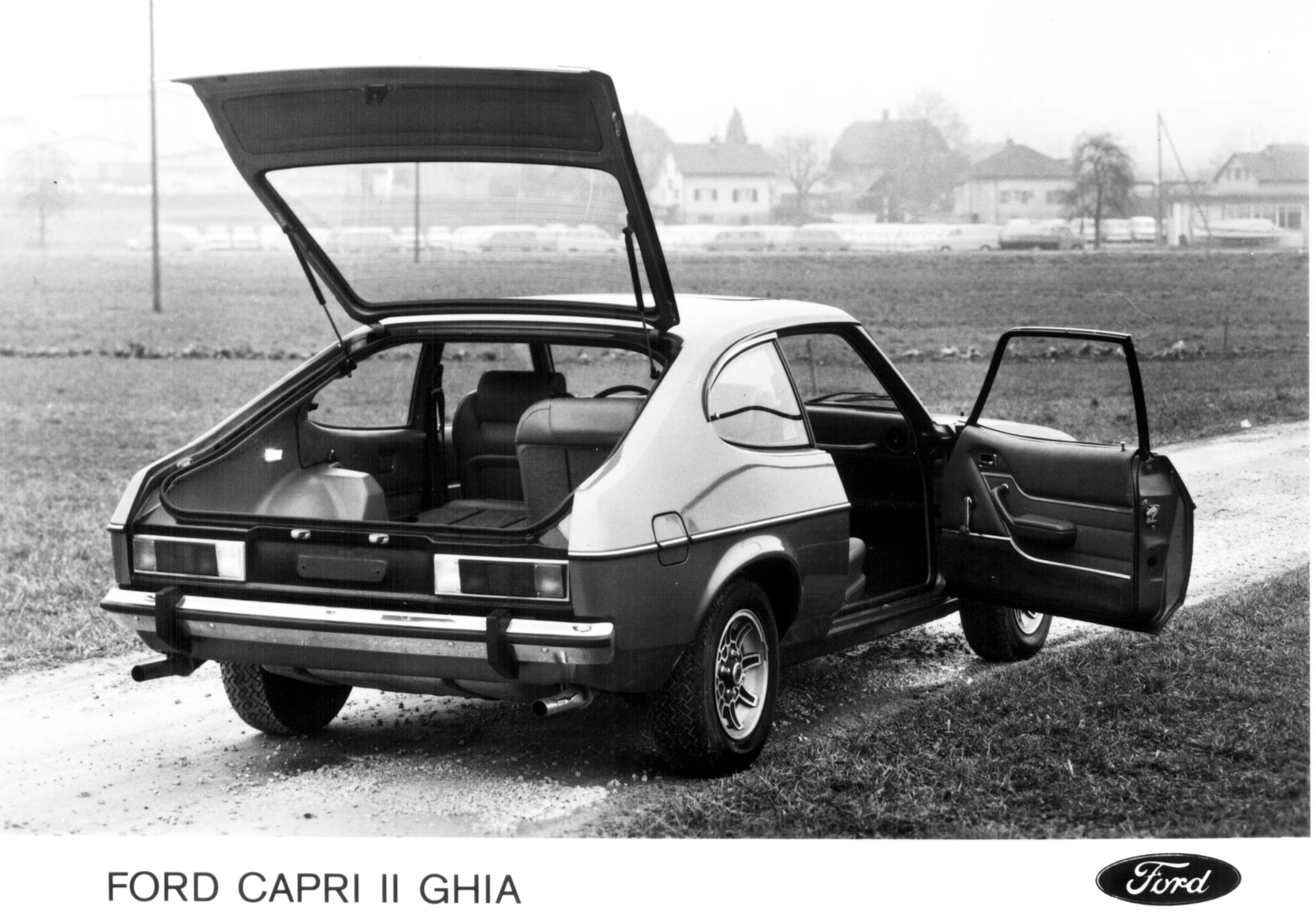 Postkort-FORD-CAPRI-II-GHIA