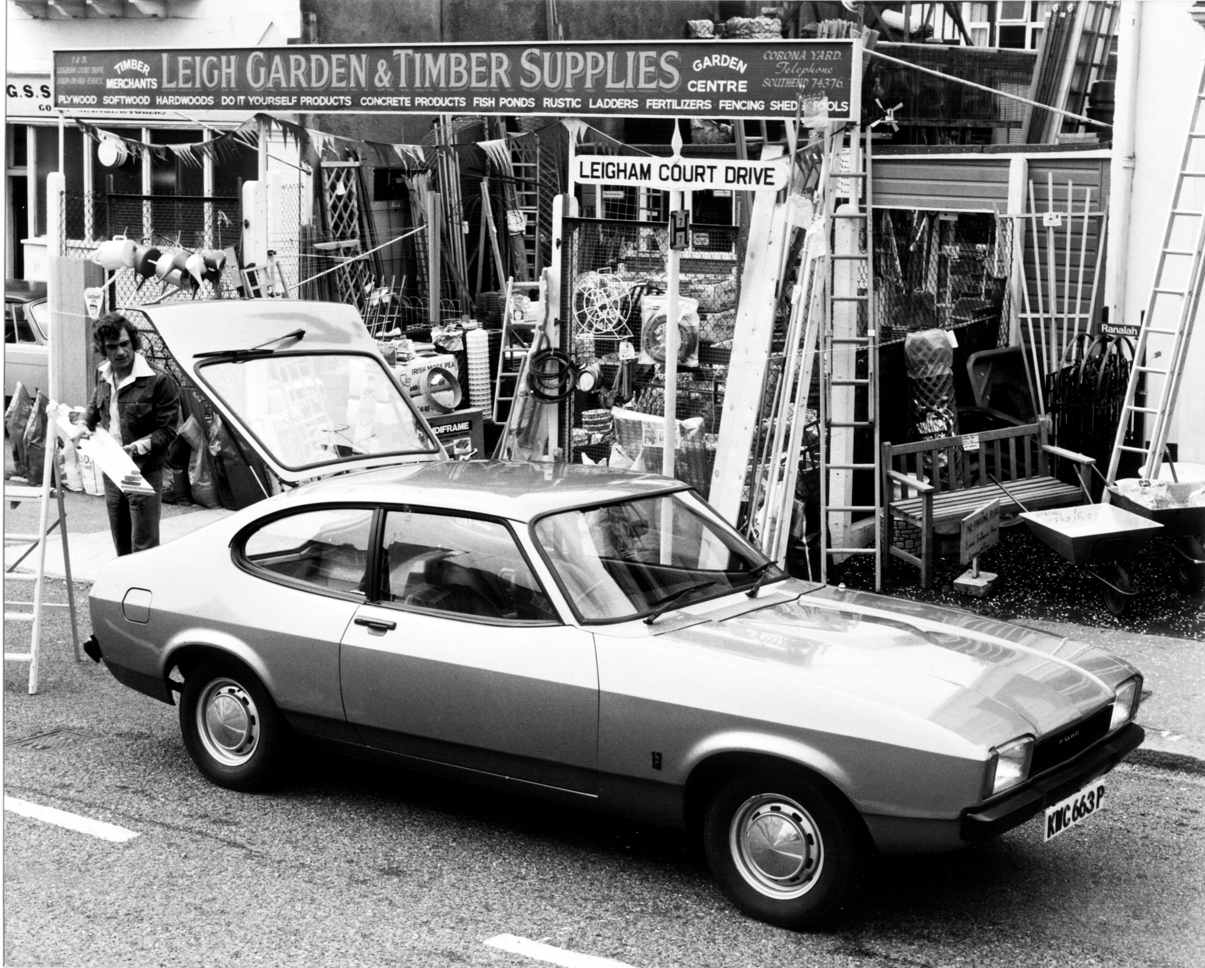 1976-1300