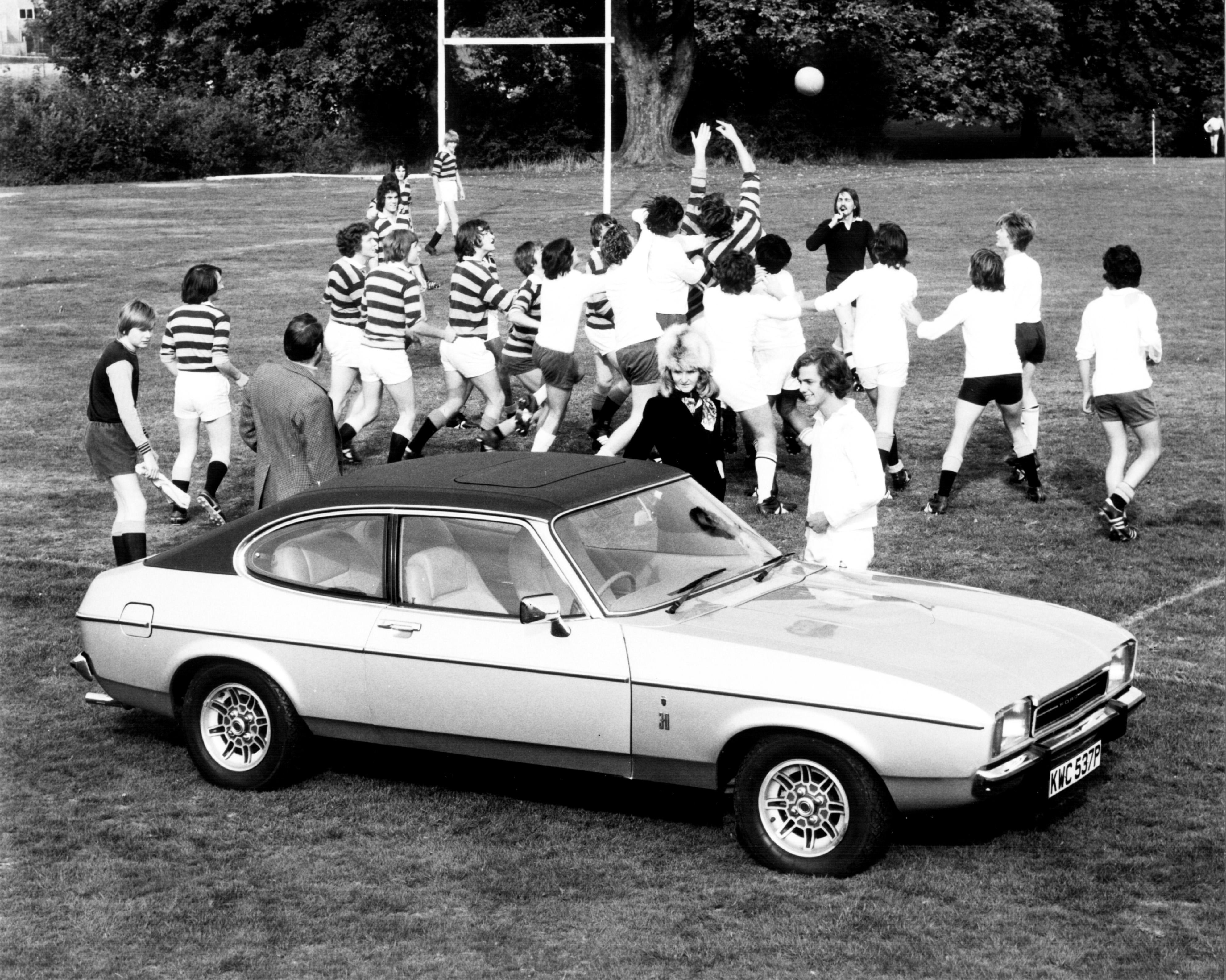 1976-3000-GHIA