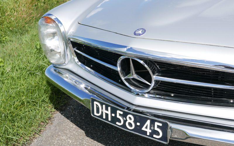 Mercedes-Benz 230SL Pagode