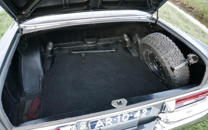 Mercedes-Benz 220SB W111