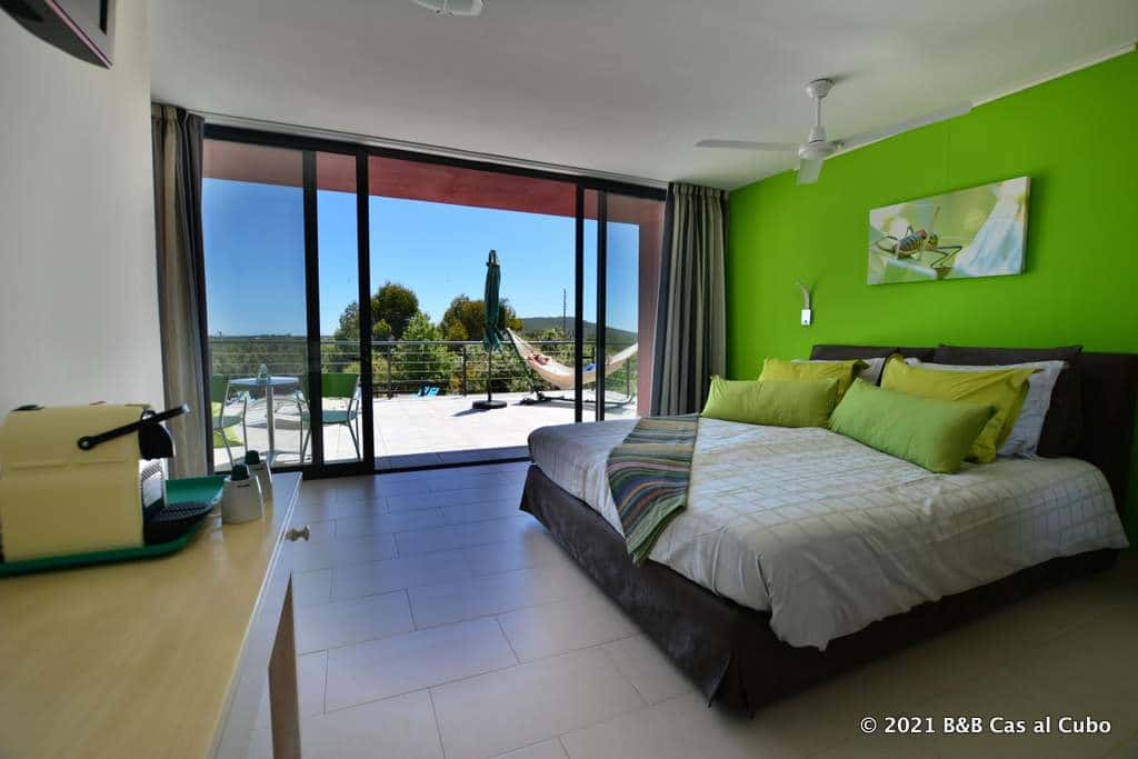 Gästezimmer Oliveira - Zimmer und Terrasse Pension Cas al Cubo Algarve