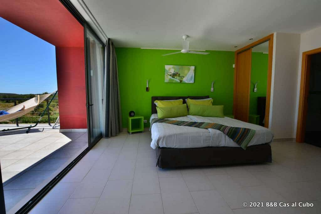 Extra Large Guest Room Oliveira - bed and breakfast Algarve Cas al Cubo