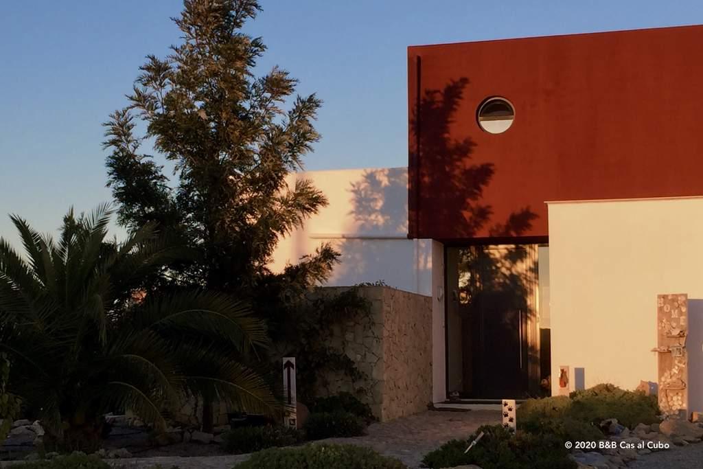 Bed en Breakfast Algarve Cas al Cubo - zonlicht op het modern huis