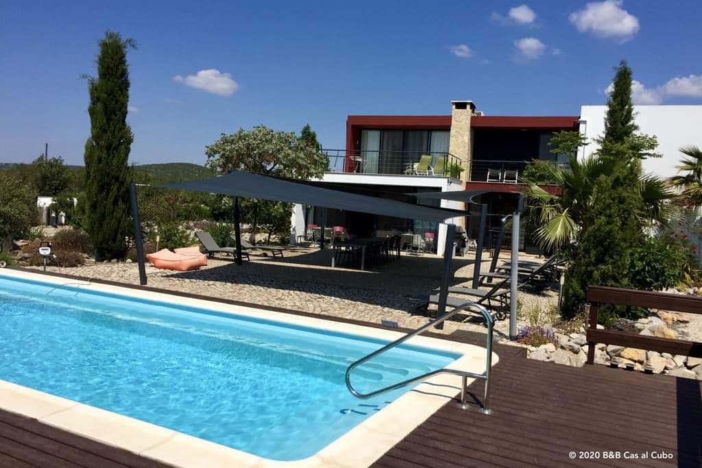 Vijf kamers bij Bed en Breakfast Algarve Cas al Cubo - zwembad en terras