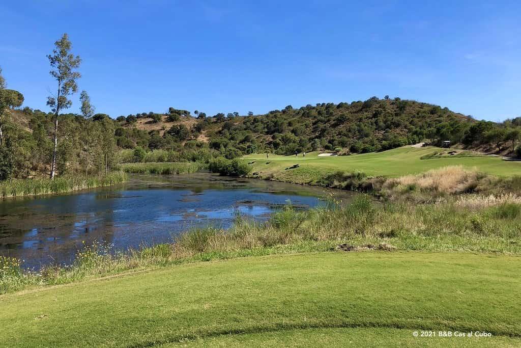 Golfers op Monte Rei Golf en Country Club golfbaan Algarve Portugal