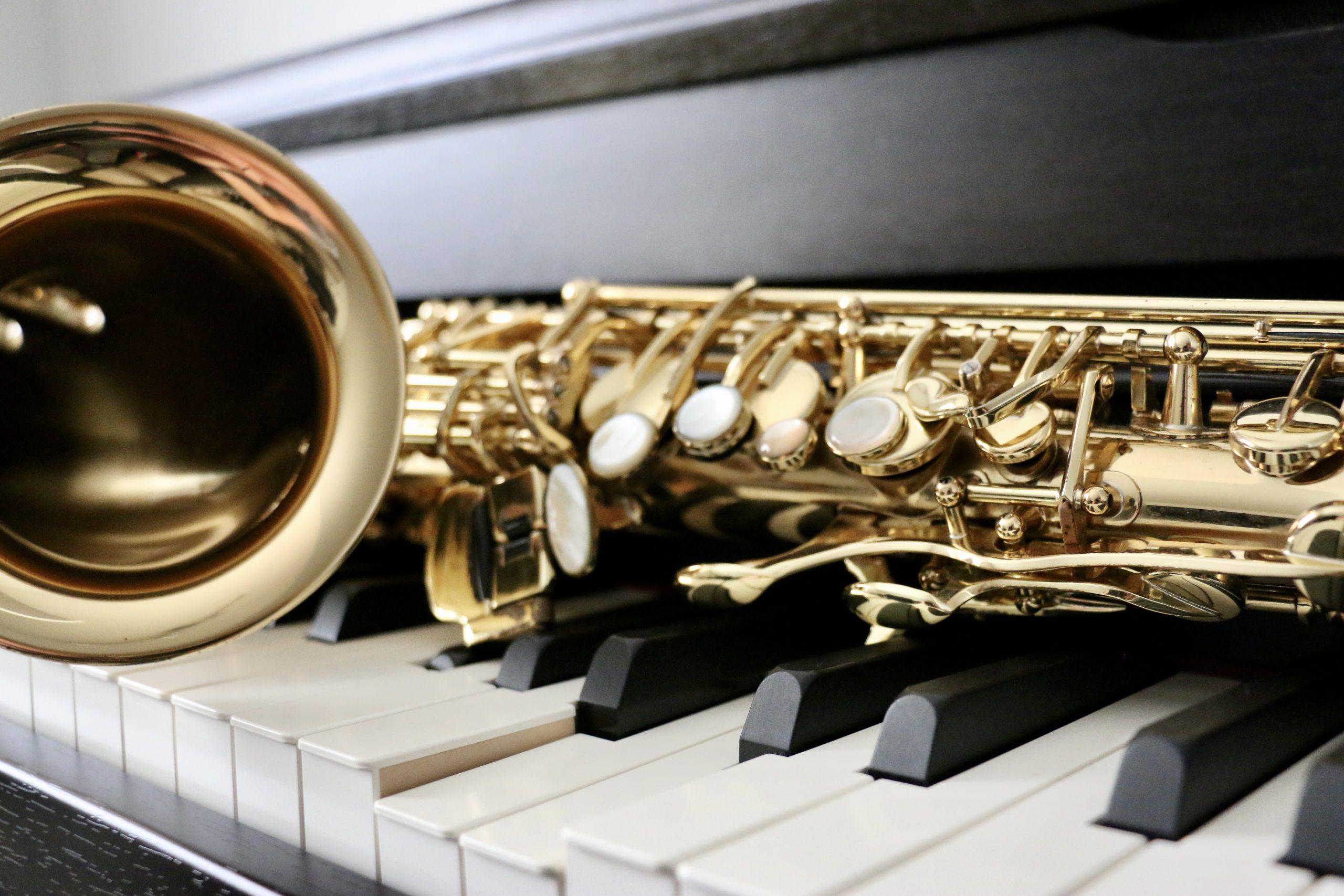 111 keys - piano & saxofoon duo