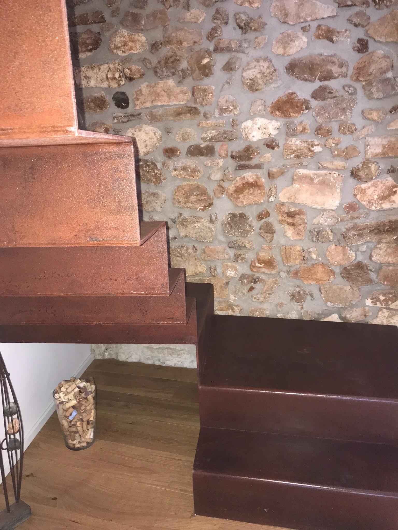 Escalera de hierro modelo alfombra
