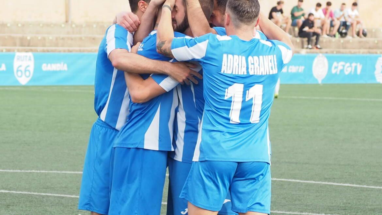 La efectividad del CF Gandia tumba a un buen CD Jávea (3-1)