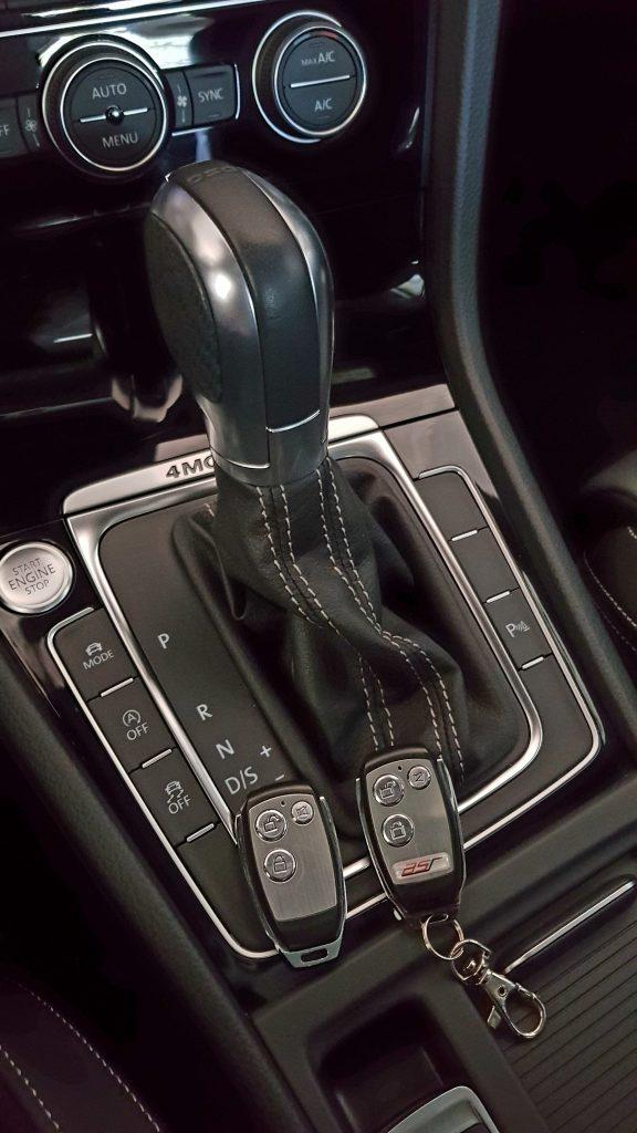 Volkswagen Golf 7R 300 PS, Schaltknauf und Klappensteuerung