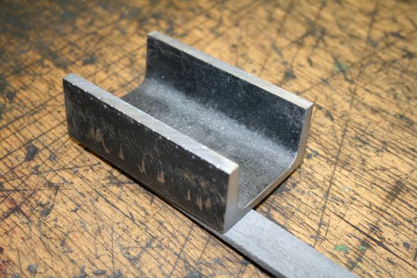 Metaller Ausbildung, U-Stahl feilen