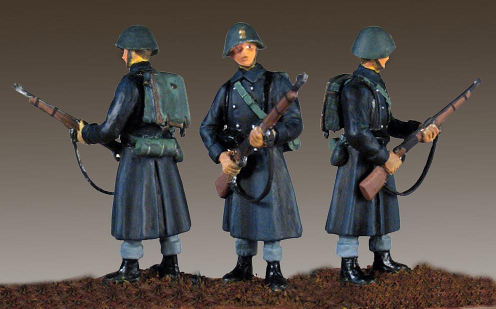 1940-Dansk-Menig-i-kappe-M15-uniform