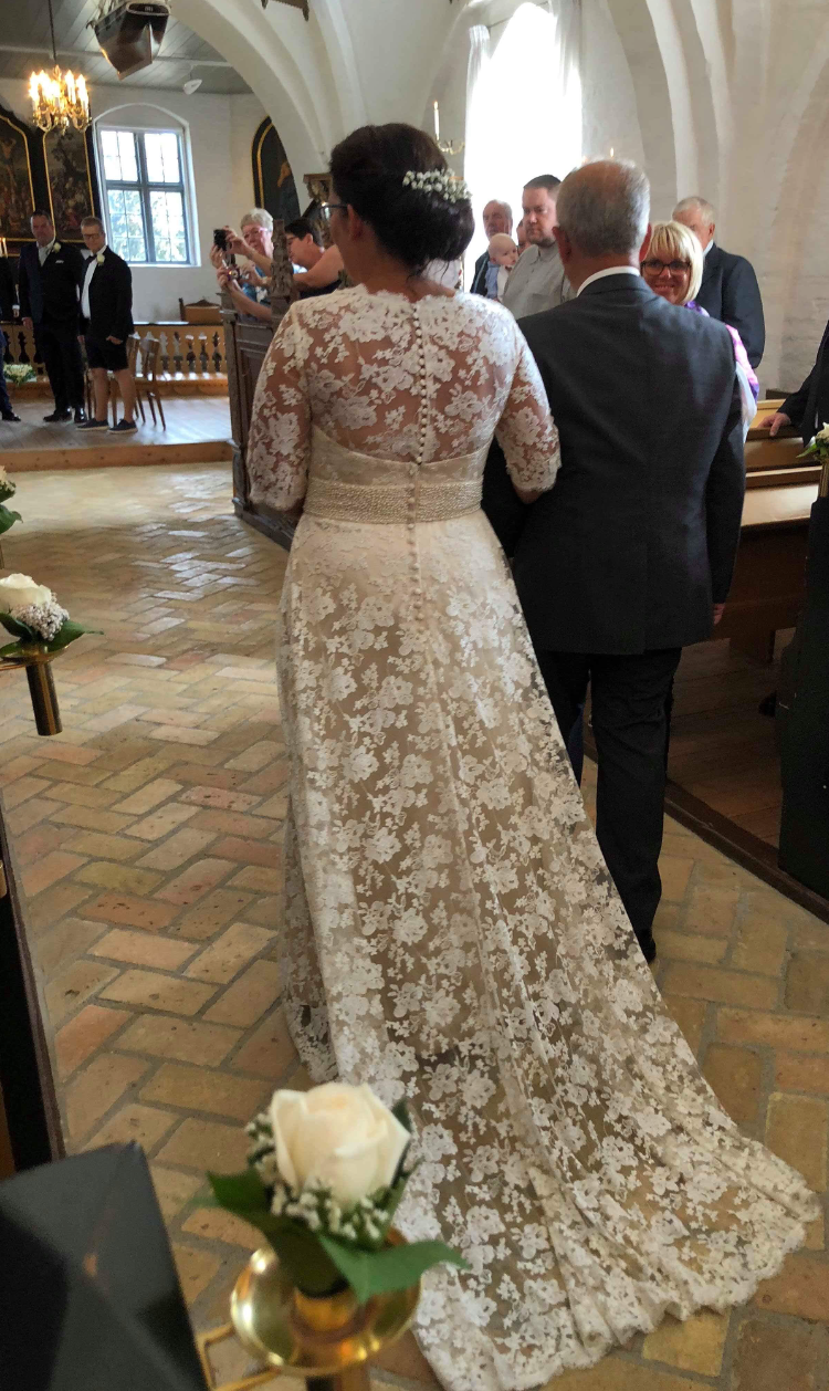 Pias brudekjole