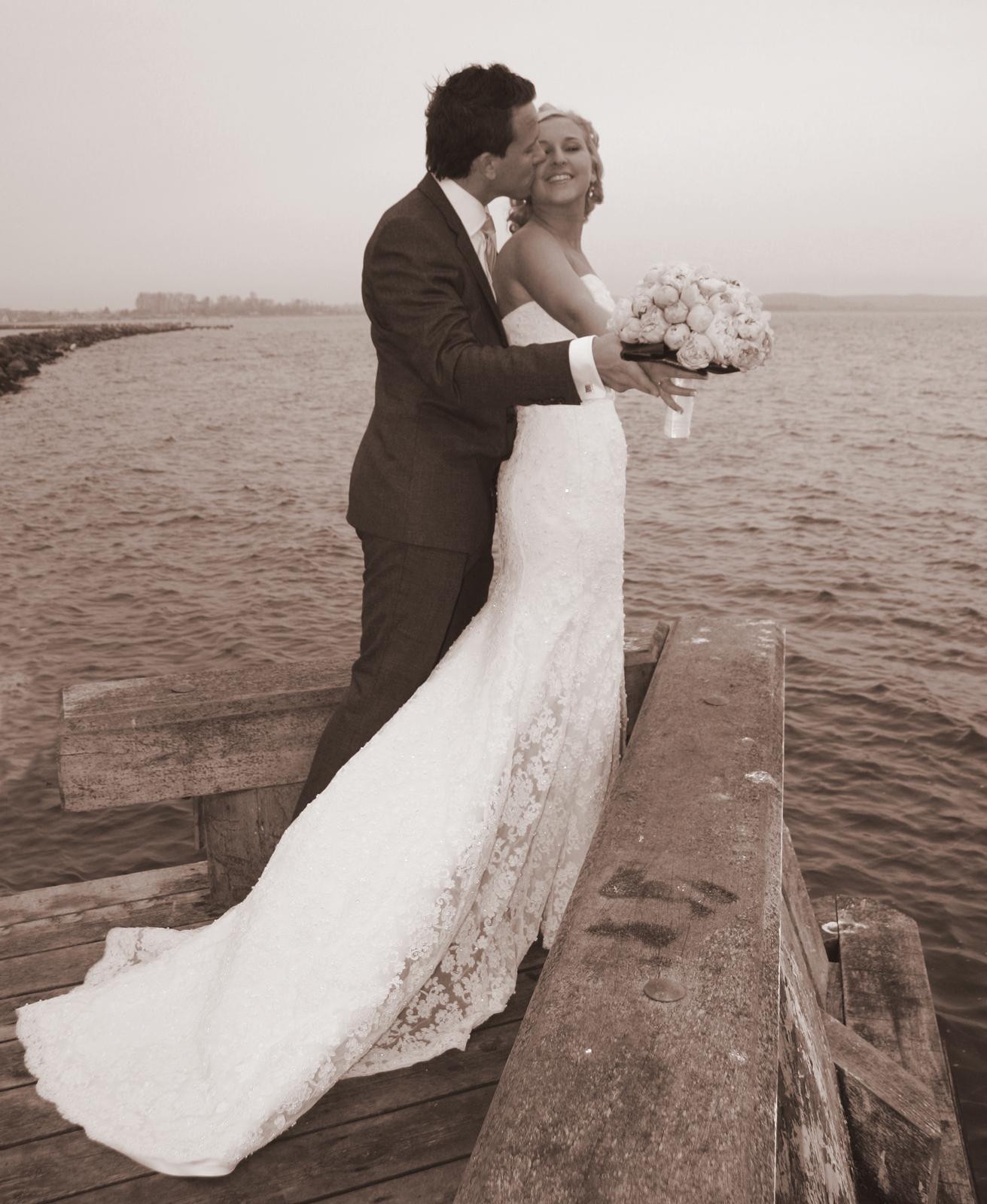 Kezia og Emil brudepar