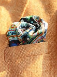 charlotte_olsson_art_design_pattern_swedishart_champagne_recyclingart_silk_exclusive_original_pocketsquare_näsduk_silkpattern_gentlemen_classicstyle