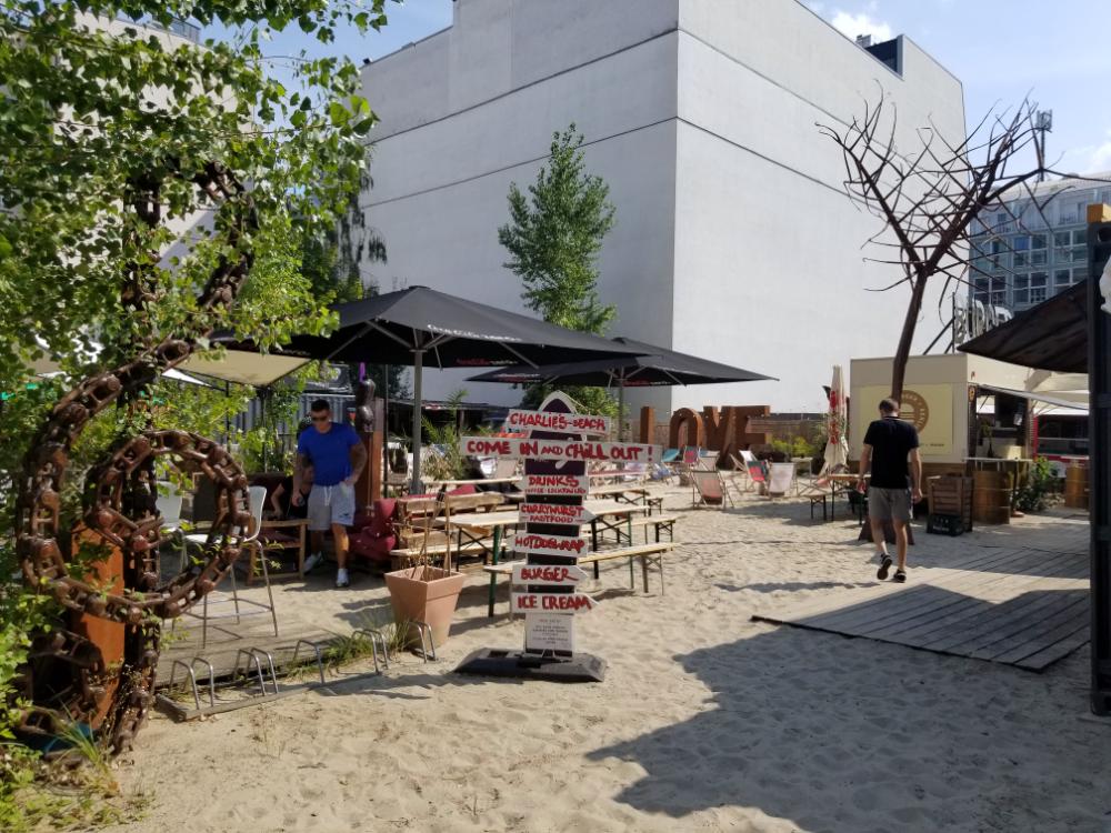 Charlie's Beach, Berlin