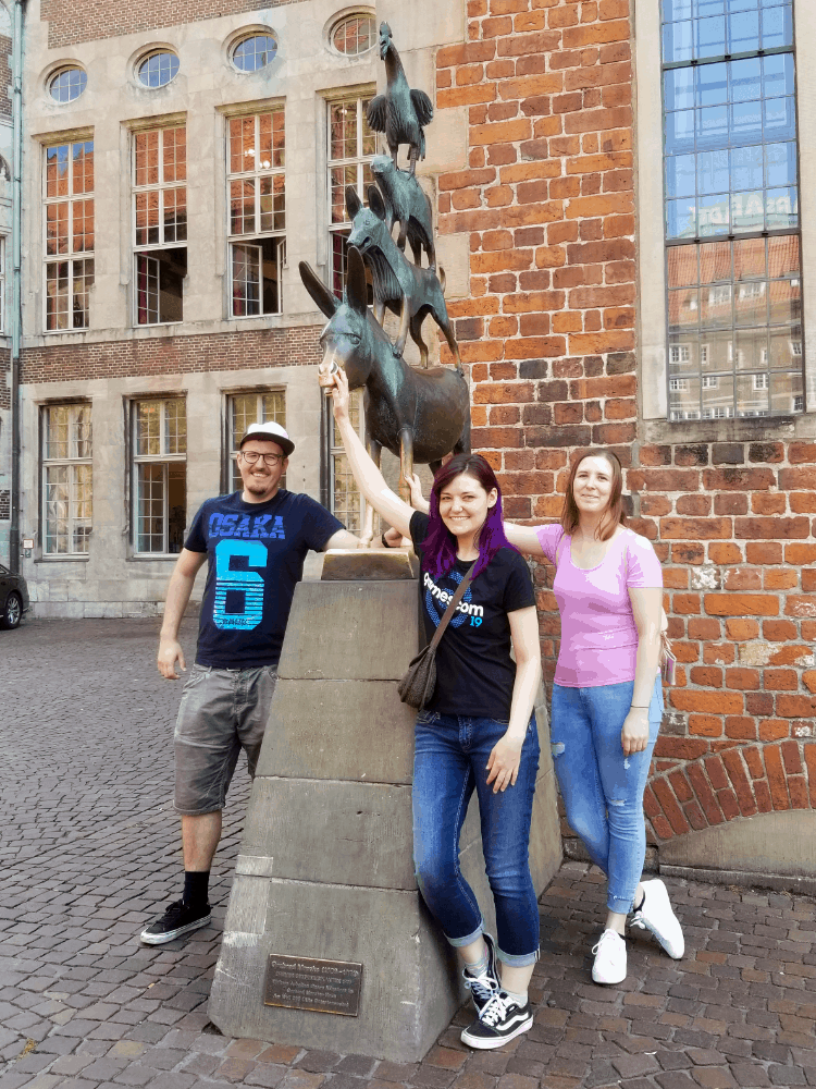 schottidev, goawayimcrabby and Kaiaaberger with the Town Musicians of Bremen