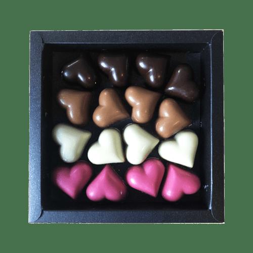 Doosje met praliné hartjes (220 gram)