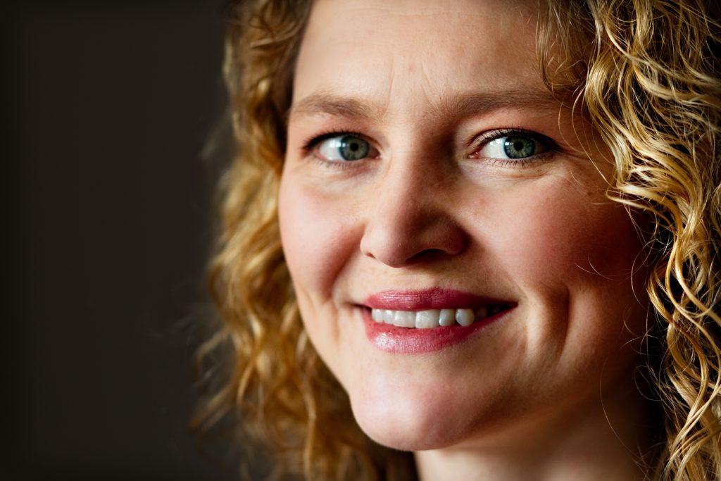 Ulrika Mjšrndal, operasŒngerska och dirigent ska upptrŠda i Segeltorp