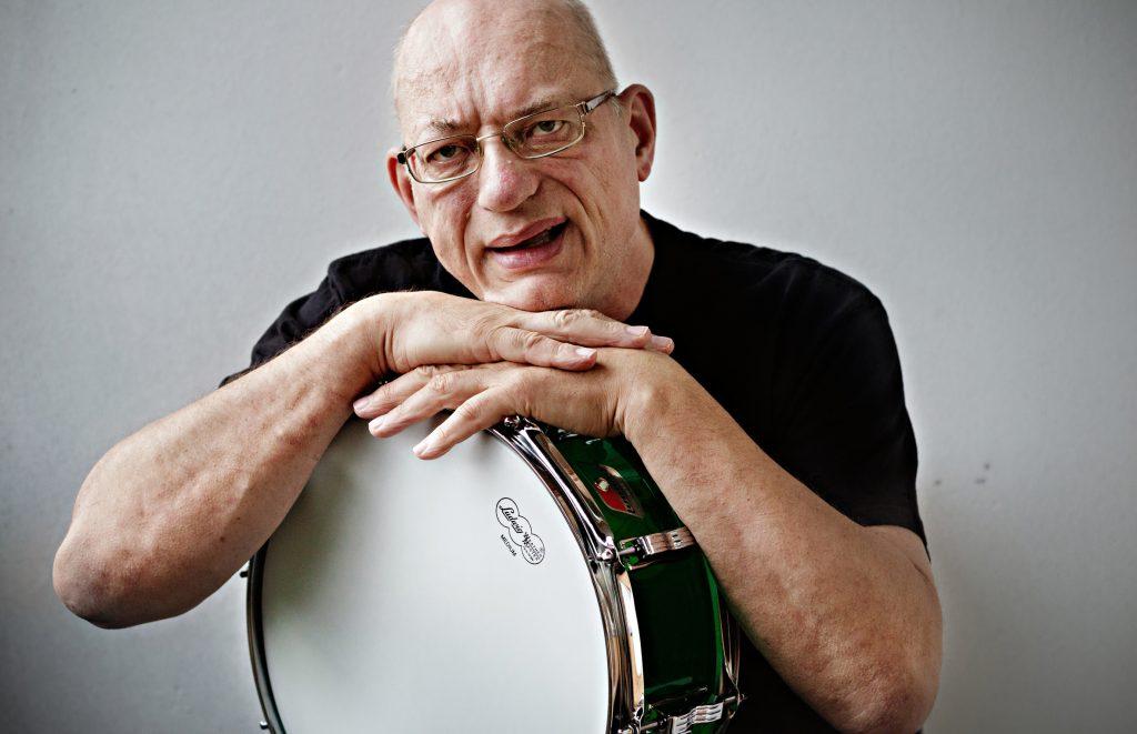 Vinkel: Åke spelar i proggband, arrangerar proggfestival i HUDD