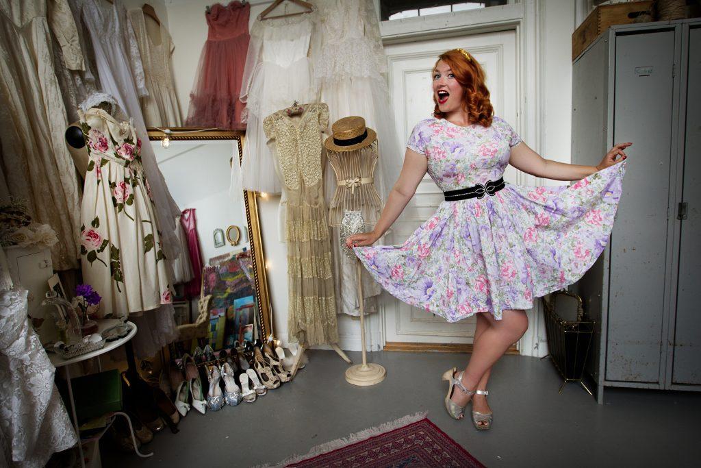 Vinkel: Elsa Billgren kommer med ny bok om vintage i inredning. Hon tipsar dessutom om hur man kan använda sommarens loppisprylar.