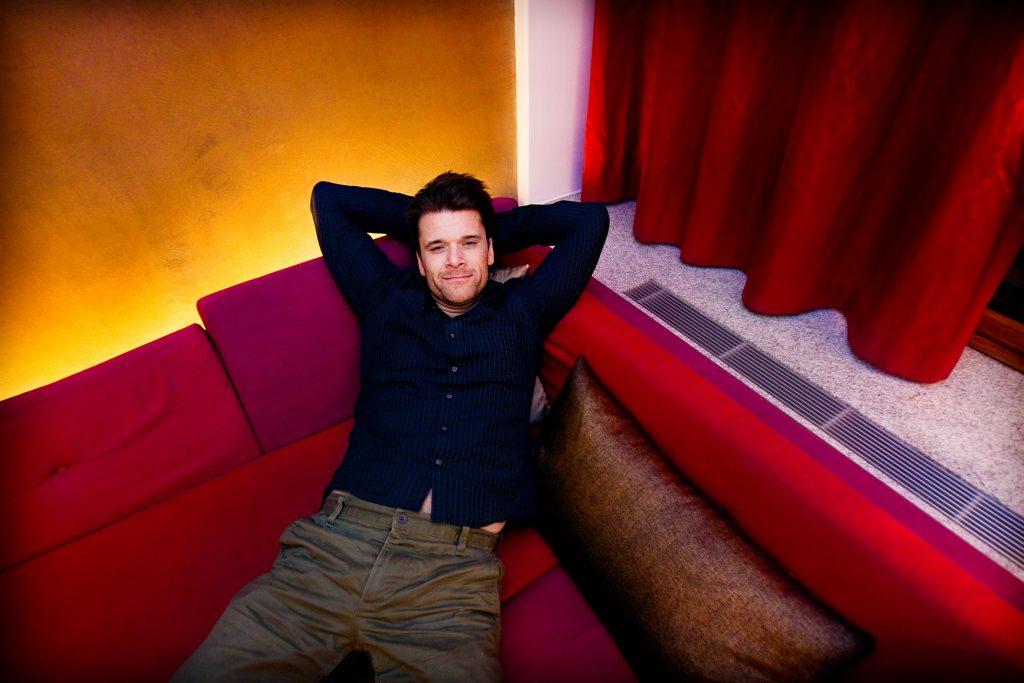 Vinkel:Ê Peter Magnusson spelar Sven i nya filmen ÓEn gŒng i PhuketÓ
