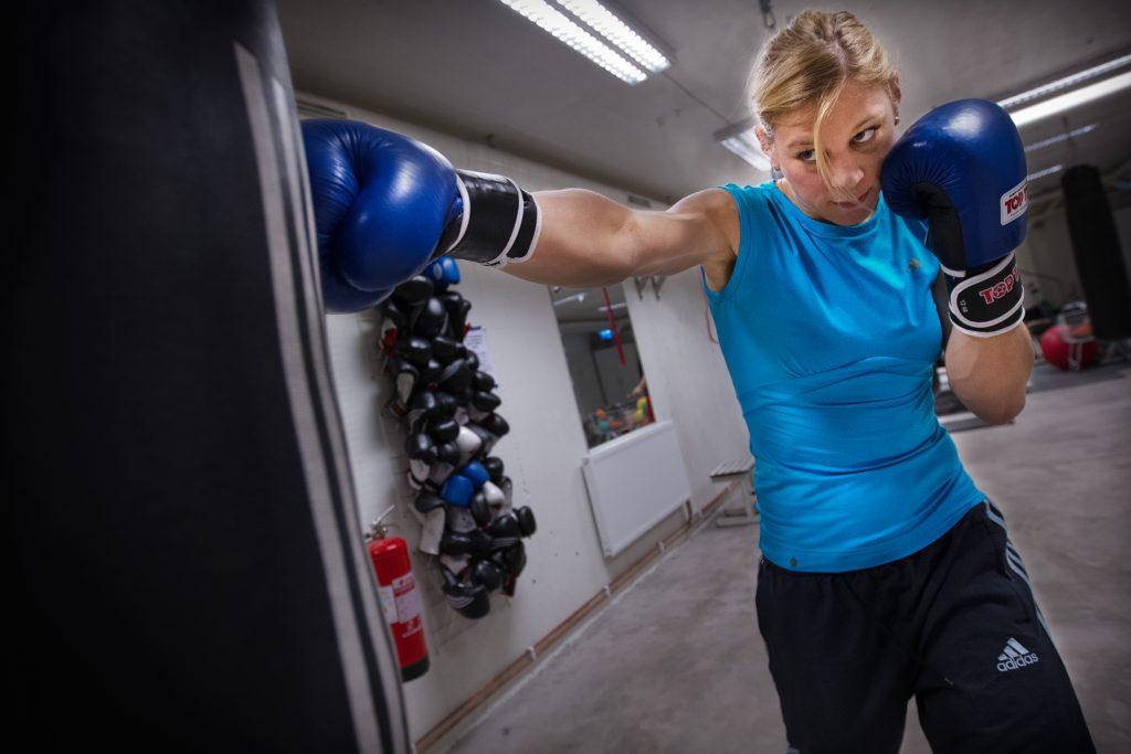 Vinkel: Boxaren Anna Laurell aktuell för Mästarnas Mästare i SVT.