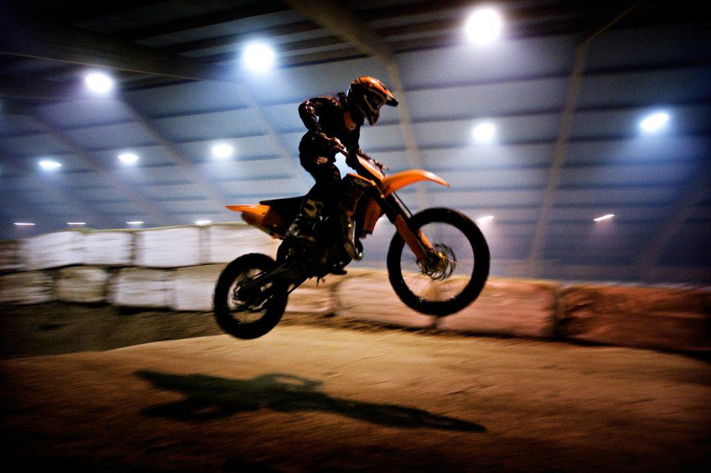 Filip Bäck -10år   *** Local Caption *** Inomhuscross: Nu har klubben ansökt om hyresbidrag för verksamheten  mc, motorcross, motorcykel