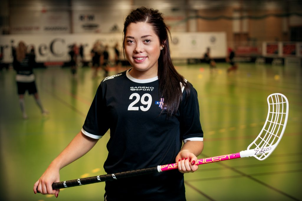 Vinkel: Caroline Adelöw har äntligen fått bukt med sin magsjukdom och har fått göra en hel försäsong i Huddinge IK.