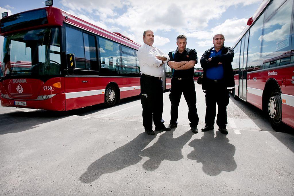 Fšr nŒgra veckor sedan drogs tre busslinjer in i Tensta pga stenkastning. Bussfšrarna och facket Šr arga, men arbetsgivaren kan inte gšra mycket.