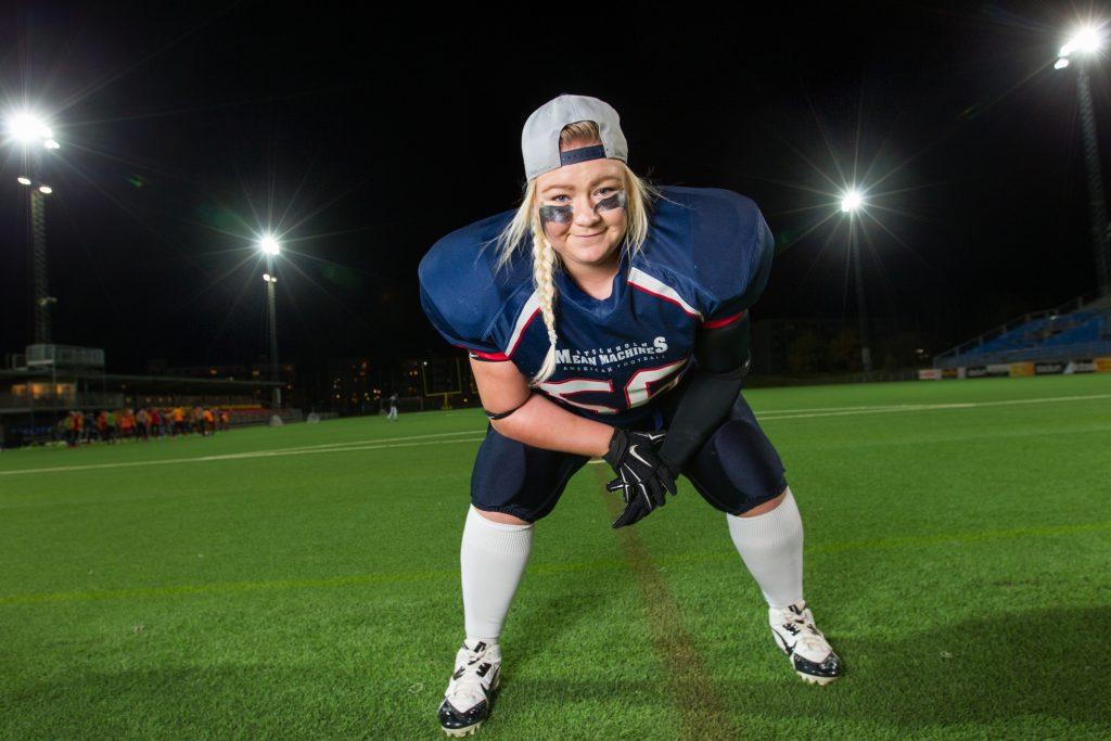Vinkel: Julia Olsson, amerikansk fotboll, ska till USA på stipendium.