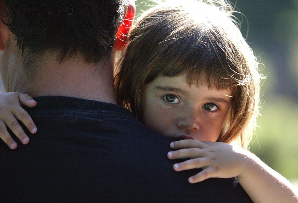 Tvååriga Olivia Jendeberg-Marongiu trivs hos sin dagmamma i västra Hökarängen. Hennes pappa Christian Jendeberg är kritisk till att Farsta stadsdelsförvaltning ska dra ner på verksamheten.