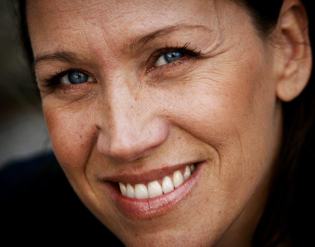 Renée Nyberg *** Local Caption *** Programledaren Renée Nyberg leder programmet Sing A Long och Rosa bandet-galan