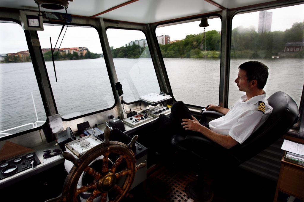 namn? *** Local Caption *** Nu kan man båtpendla till jobbet i stan från lilla essingen.