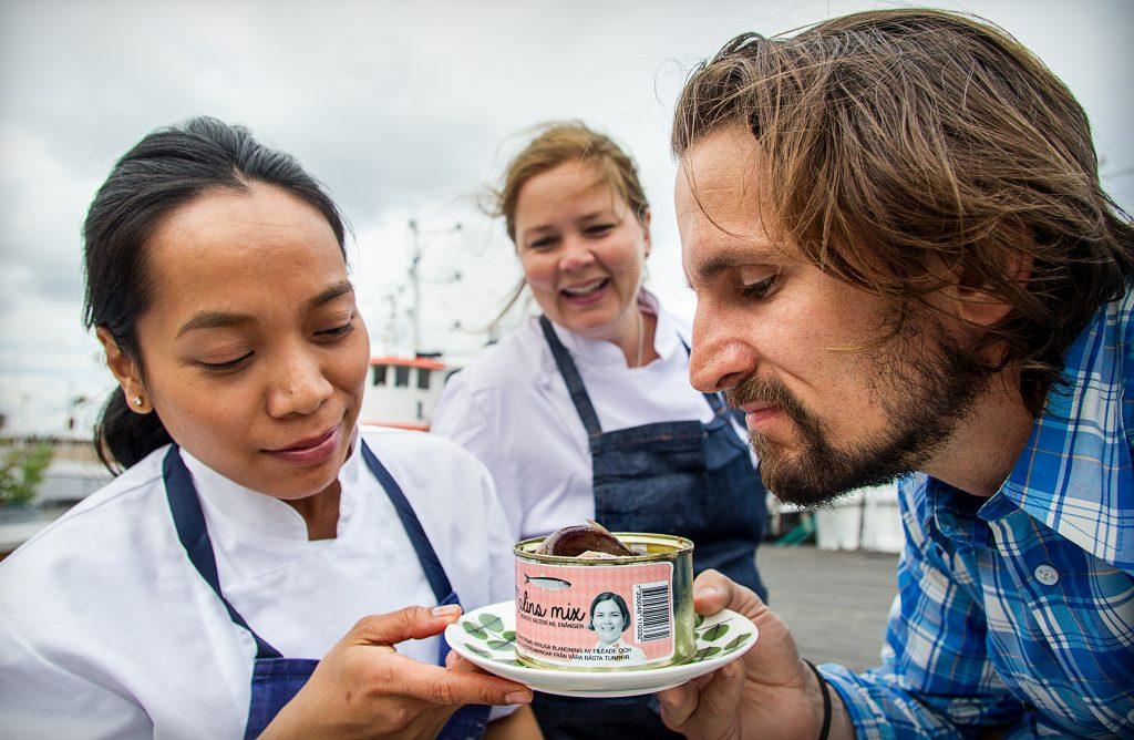 Vinkel: Vi går på surströmmingsskiva på restaurang Hjerta