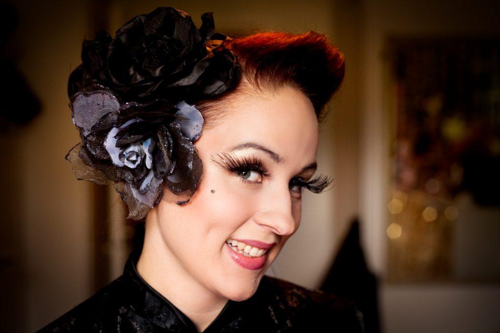 Vinkel:Ê Duchess Dubois Šr burleskartist och anordnar burleskfestival i Stockholm