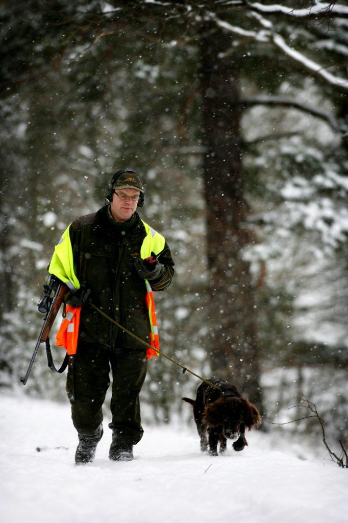 namn? *** Local Caption *** Lidingö viltvårdarna på dovhjorts jakt.