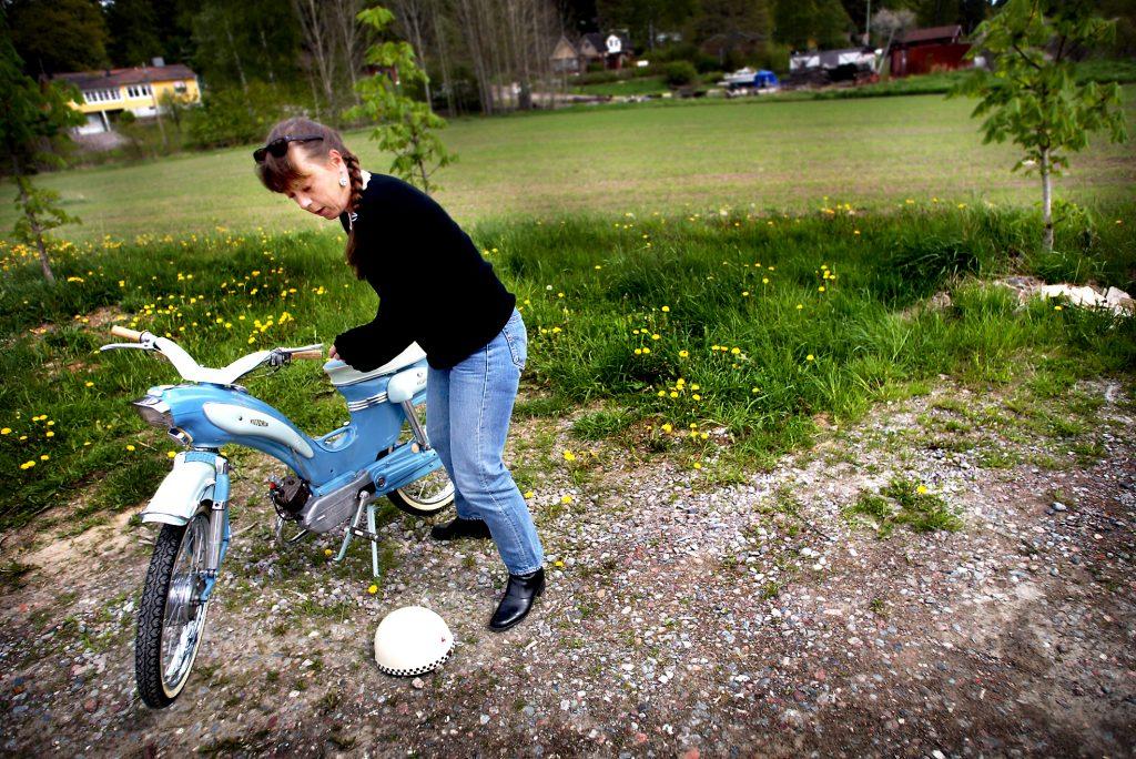 Susanne Axlund *** Local Caption *** Susanne Axlund samlar på antika moppar, har över 40 stycken